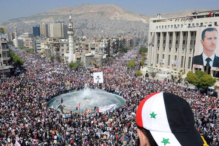 Honderdduizenden Syriërs gingen de straat op om president Assad te steunen, 2011